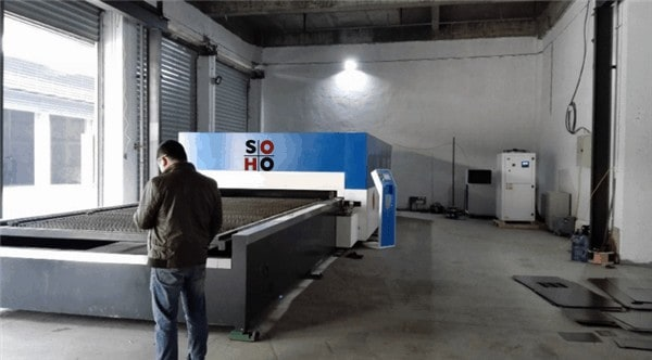3000W 3kw-Trumpf-laser-power-carbono-aço inoxidável-alumínio-fibra-metal-laser-laser-cutting-machine-cut-up-25mm