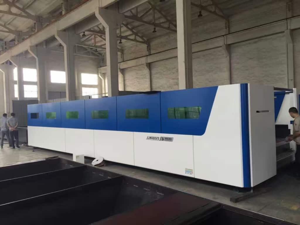 8X2.3M fiber laser cutting machines